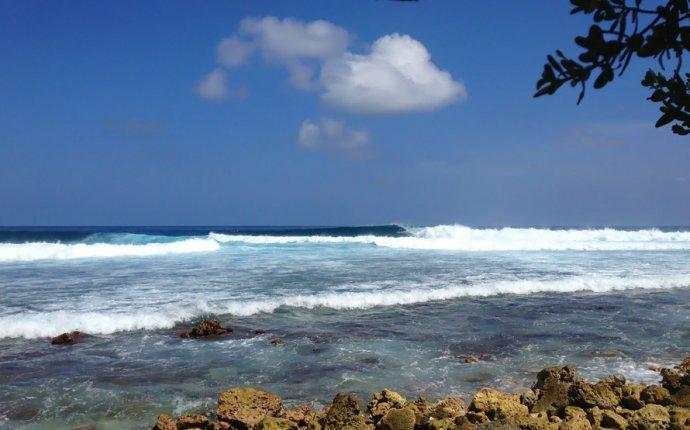 Серфинг на Туласдху, Мальдивы   Cokes Surf Shack - гостевой дом на